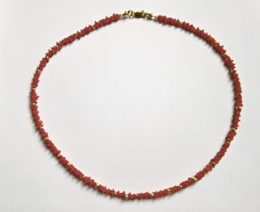 Coral necklace with 18 carat gold details