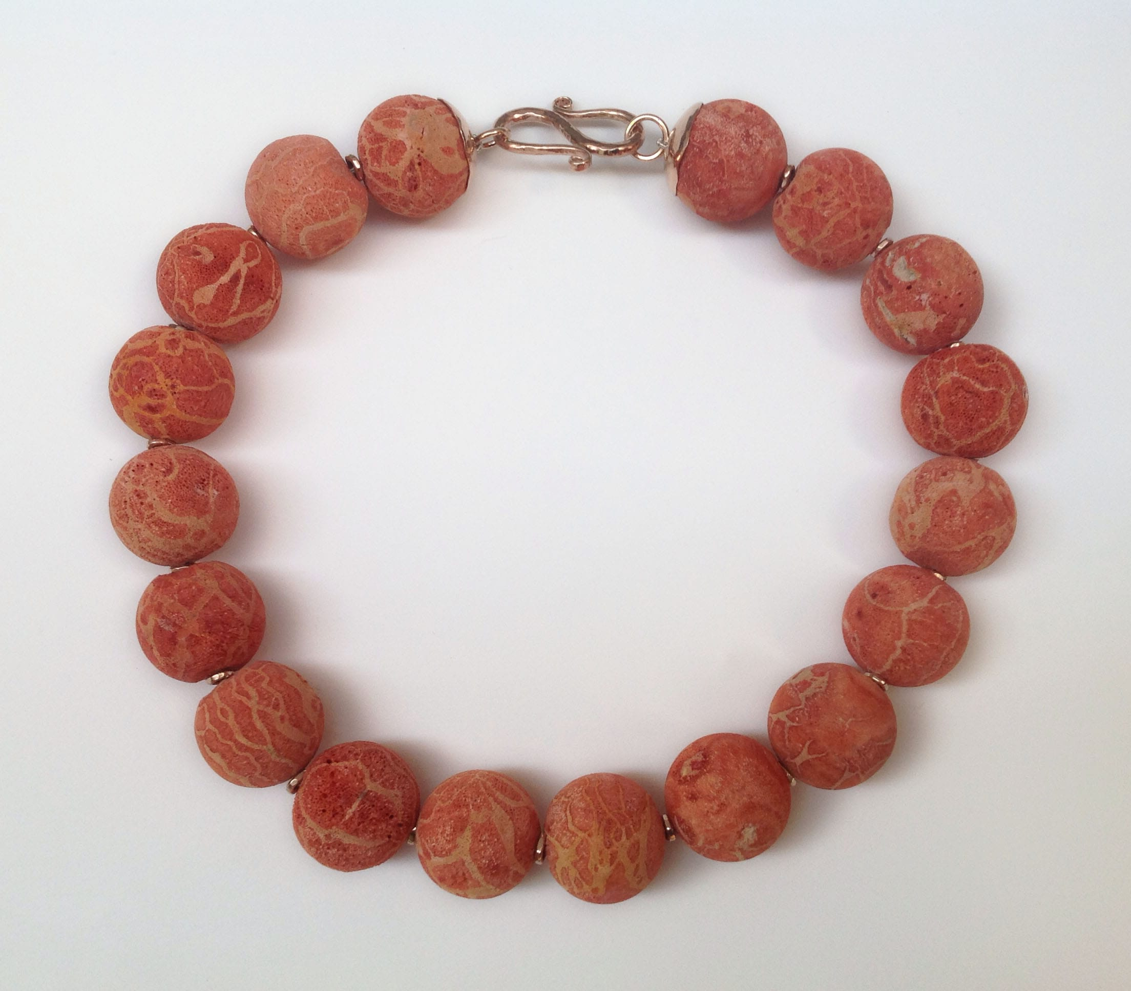 Large round sponge coral beads, 9 carat red gold beads and clasp