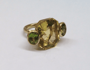 Large cocktail ring, citrine and peridot set in 18 carat yellow gold